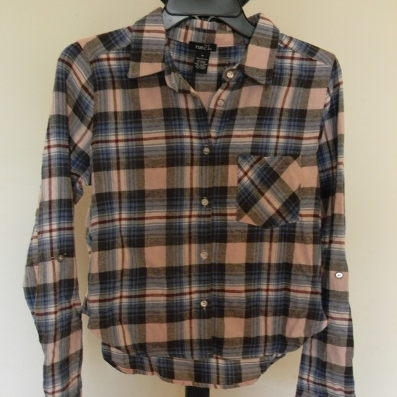 Tops - Cropped Flannel